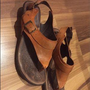 497e420235940e Born Shoes - Born Women s Sandals Size 8 Super Comfy! EUC